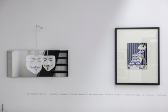 """Anonymous Maske und eine Arbeit von Josef Divéky, """"Harlekin"""", um 1908"""